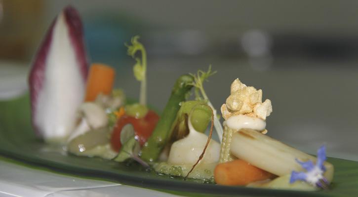 Verduras Salteadas con Pil Pil de Bacalao