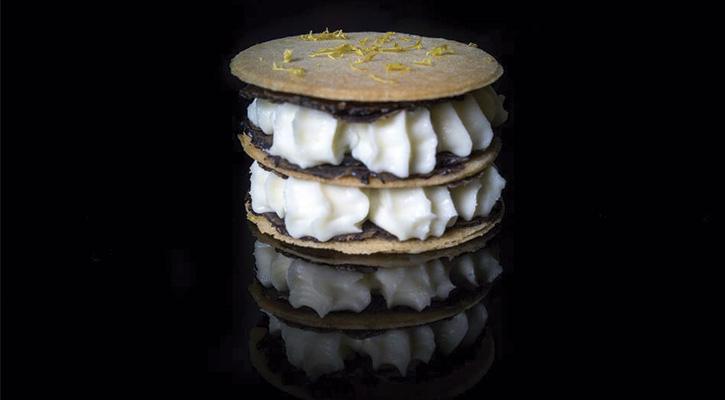 Foto: Milhojas de parmesano y trufa