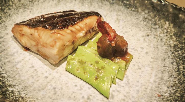 Foto: Rodaballo con salsa teriyaki a la parrilla