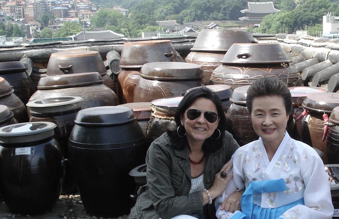 Julia Pérez Lozano con la directora del Instituto de Cultura Culinaria de Corea