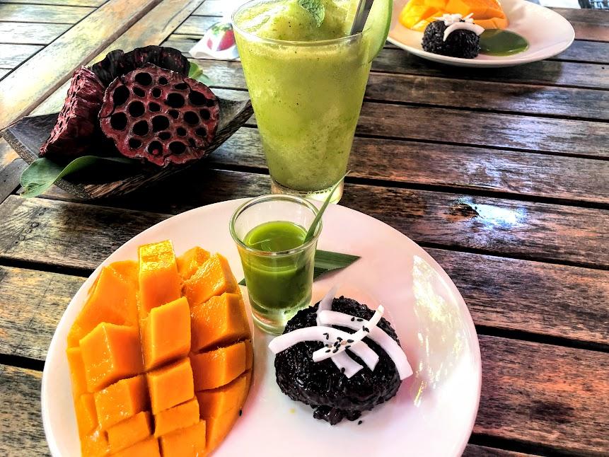 Mango sticky black rice