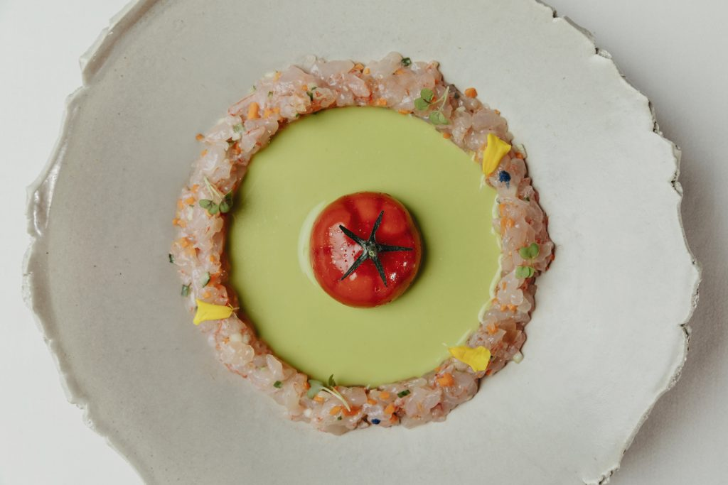 Tomate nitro con gazpacho verde y quisquillas Dani Brasserie